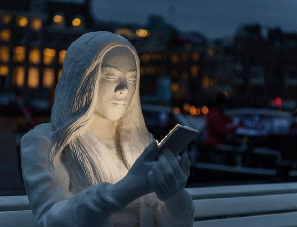 absorbed by light'  adicción smartphone amsterdam light festival 2018 loqueva (4)