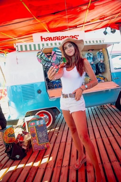 Zaira Nara en el parador de Havaianas II