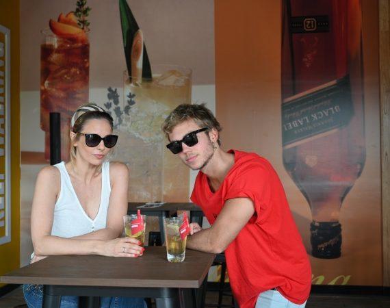 Juli Cardinali y Franco Masini en el Highball Bar de Johnnie Walker