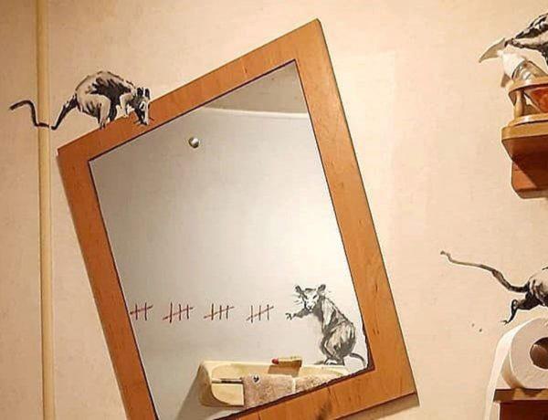 Banksy reapareció en cuarentena con su arte en el baño